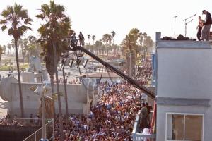 Red Hot: Sol, calor e novo clipe em Venice Beach