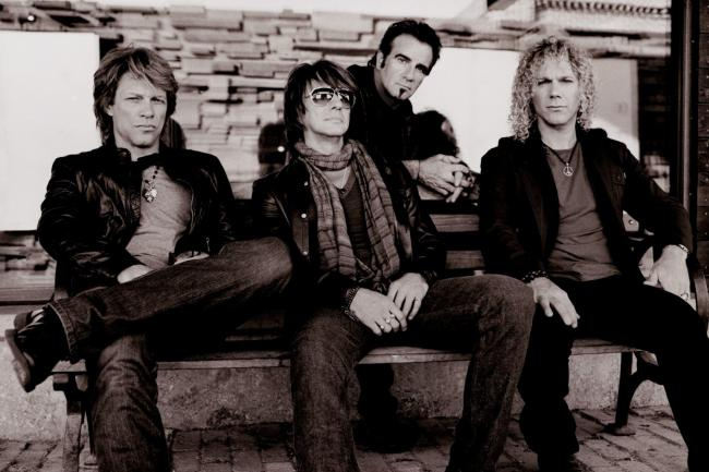 Bon-Jovi-Rock-Band-433x650
