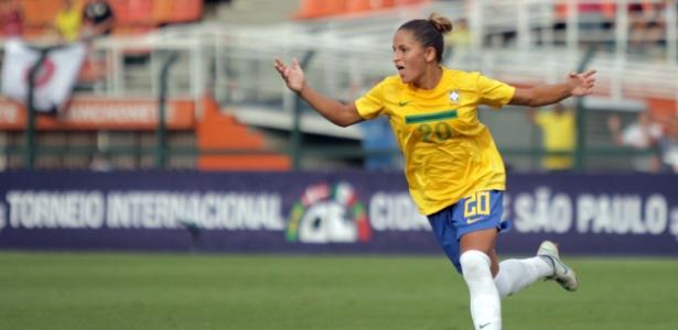 debinha-comemora-seu-gol-na-vitoria-da-selecao-brasileira-diante-da-dinamarca